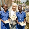 131014 christinaaguilera charity gallery [LQ]