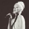 "Christina Aguilera No Asistió Al Evento ""Rock And Roll Hall Of Fame"" 2013 Porque Está Enferma - último comentario por Guis"
